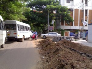 Chinmaya Vidyalaya, P&T colony junction, traffic jam