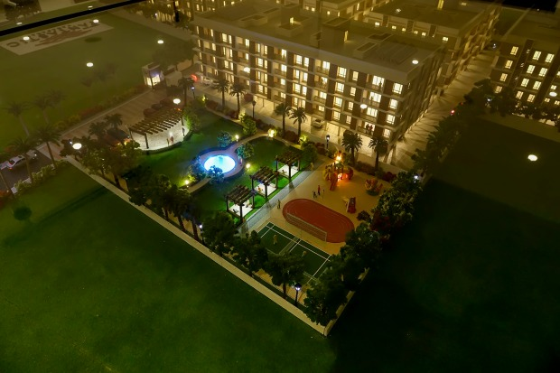 Urban Tree - Fantastic Tennis court - Impressive isn't